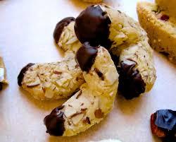 italian hazelnut christmas cookies italian cookies pinterest