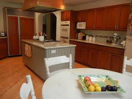 Cost To Paint Kitchen Cabinets How Much Does It Cost To Refinish Oak Kitchen Cabinets Tehranway