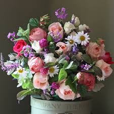 real flowers bag yourself an exclusive flowers week bouquet