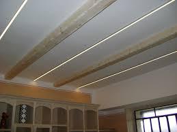 illuminazione a soffitto a led illuminazione a soffitto led avec linee di luce ncs et 23 casa