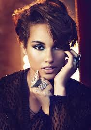 not an afro but i like the shape of her haircut alicia keys