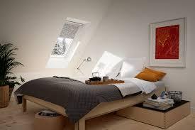 stores pour chambres à coucher des idées neuves pour habiller vos stores velux avec goût the
