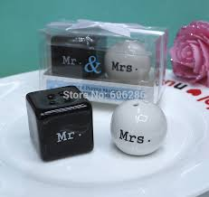 what of gifts to give at a bridal shower wedding giveaway gift items mr mrs ceramic salt and pepper