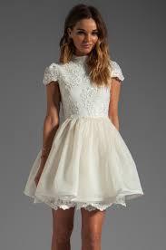 alice olivia fyona lace bodice party dress in off white revolve