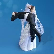 sujet mariage sujet mariage du marié sur epaule de la mariée figurine mariage
