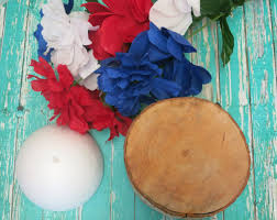 floral fourth of july table decor diy view in gallery