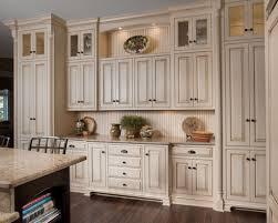 kitchen cabinet drawer pull location