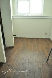 Laminate Floor Tiles That Look Like Ceramic Laminate Flooring That Looks Like Tile Sheet Vinyl Flooring That