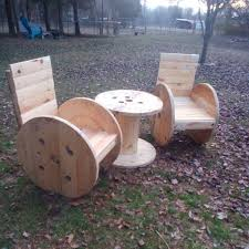 Cable Reel Table by Diy Pallet And Cable Spool Patio Set Pallets Cable And Patios