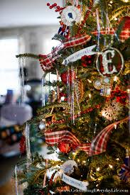 plaid christmas my 2015 plaid christmas tree celebrating everyday with