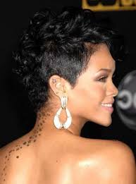 Best Haircuts For Curly Hair Best Haircuts For Curly Hair And Round Face 2017