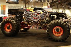 grave digger monster truck wallpaper skull monster truck rally hd wallpapers pickup truck