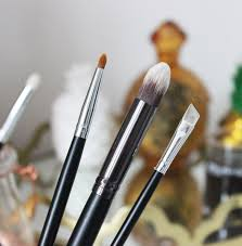 budget beauty the best makeup brushes from crownbrush tales of