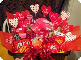 valentines day ideas for him 30 heart touching diy gifts for him styleadmirer