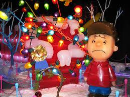 snoopy christmas dog house 2010