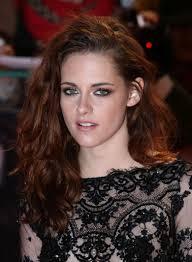 cheveux rouge acajou optez pour la coloration auburn conseils et inspiration