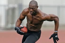 Terrell Owens Meme - terrell owens thinks he could be a 1 200 yard receiver in the nfl
