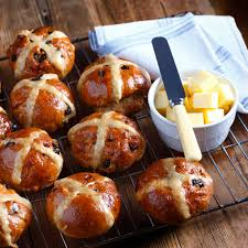 hot buns review the best hot cross buns 2017 we review shop bought hot cross