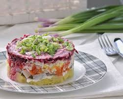 cuisiner le hareng recette salade russe au hareng fumé facile rapide
