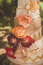 fall wedding 22 burgundy and gold fall wedding ideas