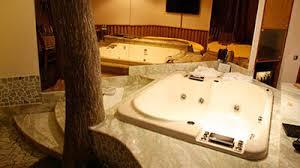 hotel con vasca idromassaggio in varcaturo suite a tema e camere a tema