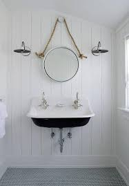 White And Blue Bathroom Ideas by Best 25 Cottage Bathrooms Ideas On Pinterest Farmhouse Bathroom