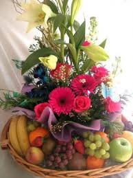 fruit flower bouquets send fruits to india fresh fruits india fruits flowers gift