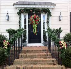 20 garland decorating ideas bright bold and beautiful
