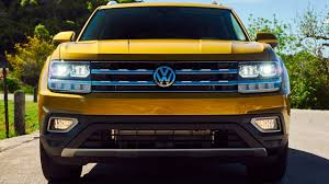 volkswagen atlas interior sunroof volkswagen atlas 2018 features design testing youcar youtube