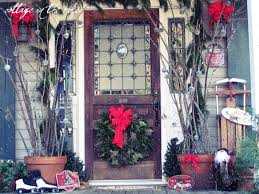 Christmas Decorations For Front Door Porch by Save Money By Creating Your Own Outdoor Christmas Decorations