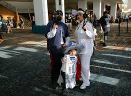family star wars halloween costumes this adorbs family of cosplayers cholofied star wars