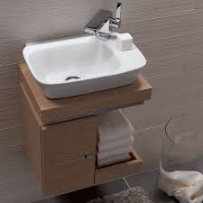 Remodeling A Tiny Bathroom by Best 25 Small Sink Ideas On Pinterest Small Vanity Sink Tiny