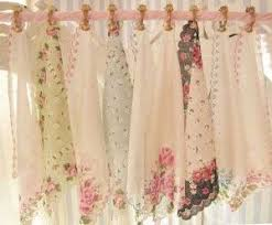 kitchen window dressing ideas shabby chic curtains and window dressing ideas plain curtains