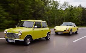 wallpaper classic porsche classic mini and porsche 911 motion 17 1680x1050 wallpaper
