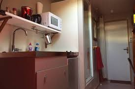 louer une chambre de bonne chambre de bonne sous les toits appartements à louer à grenoble