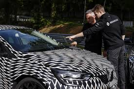 new renault megane rs to have two chassis settings 4 wheel steering