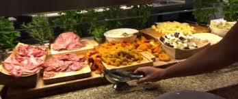 Best Lunch Buffets In Las Vegas by Take A Tour Of One Of Las Vegas U0027 Biggest And Best Buffets Abc News