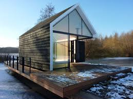 compact lakeside holiday house in loosdrechtse the netherlands