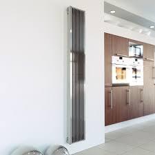 wohnzimmer heizkã rper artiz ist ein besondere vertikale heizung moderne wohnzimmer
