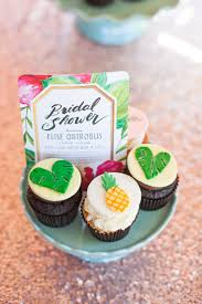 Kitchen Tea Food Ideas by Best 25 Hawaiian Bridal Showers Ideas Only On Pinterest Luau