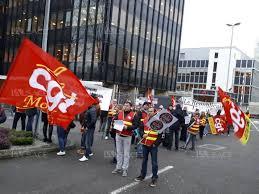 adresse siege credit mutuel a la une presse manifestation devant le siège du crédit mutuel