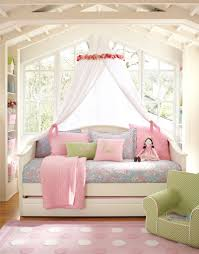 dream bedroom for my daughter love the windows and the canopy