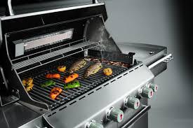 cuisiner avec barbecue a gaz barbecue fumoir pour fumer ses aliments ooreka