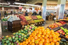 fairway market celebrates the grand opening of its new store in