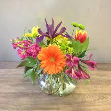 flower delivery wichita ks rosie poise six inch vase in wichita ks stems