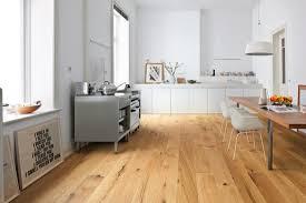 parkett küche parkett in wohnräumen