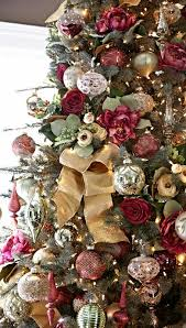 Christmas Tree Centerpieces Wedding by Best 25 Contemporary Christmas Ornaments Ideas On Pinterest