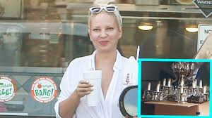 Sia Video Chandelier by Exclusive Sia Shows Her Face While Moving Into 4 7 Million Home