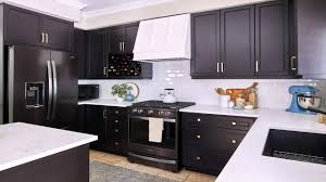 pictures of white kitchen cabinets with black stainless appliances white kitchen cabinets with black stainless appliances