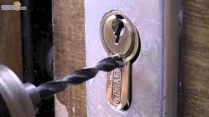 comment ouvrir une serrure de porte de chambre ouvrir une serrure cassée 06 25 46 70 89 artisan serrurie pas